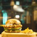 SuperMeatの培養肉試食に特化したレストランがオープン|顧客の「声」を集めるほか、培養肉の製造プロセスを可視化